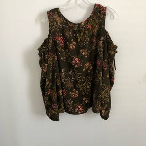 Lauren Conrad cold shoulder back button blouse XL